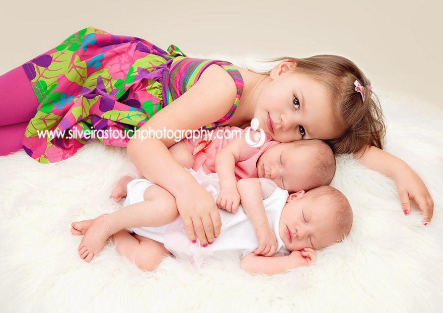 Wanaque NJ Newborn Photography of sister with twin sisters