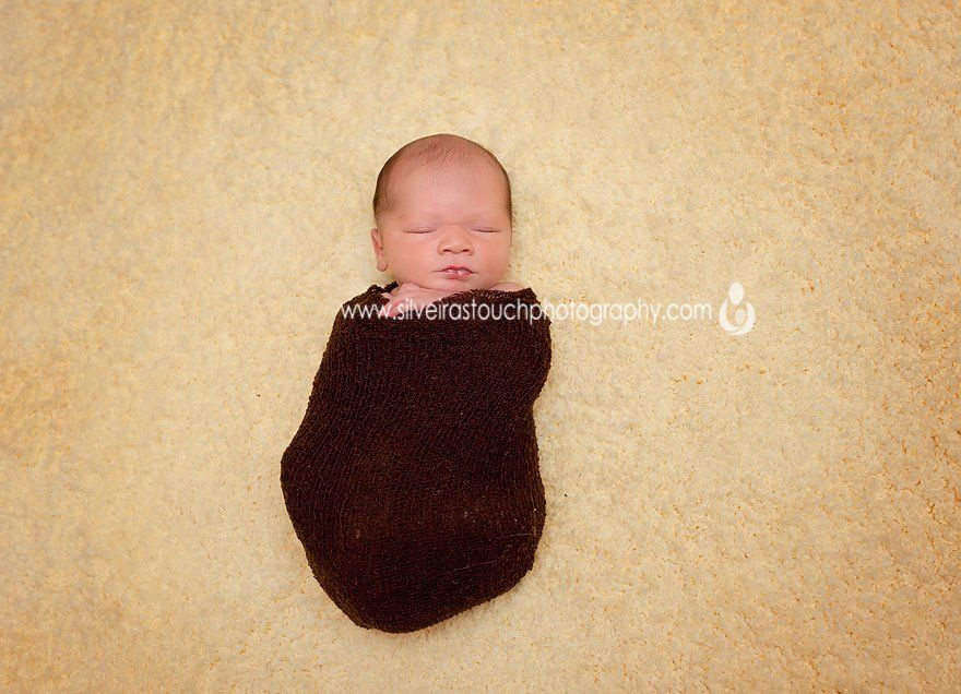 squeezable love newborn baby photography