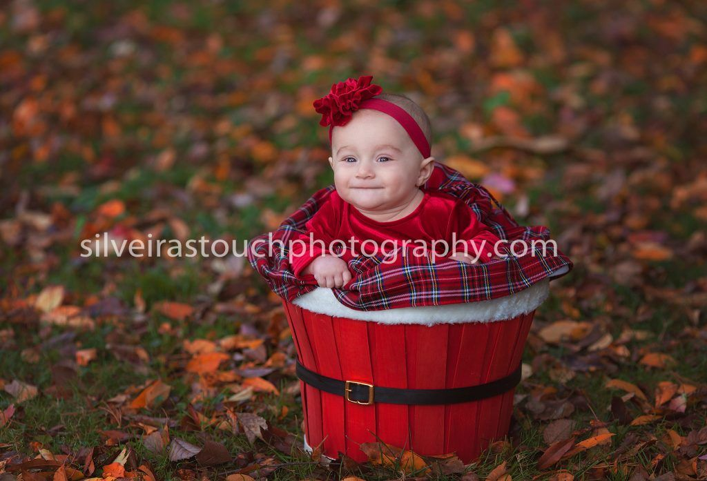 Baby photography in verona nj park of baby girl in christmas dress