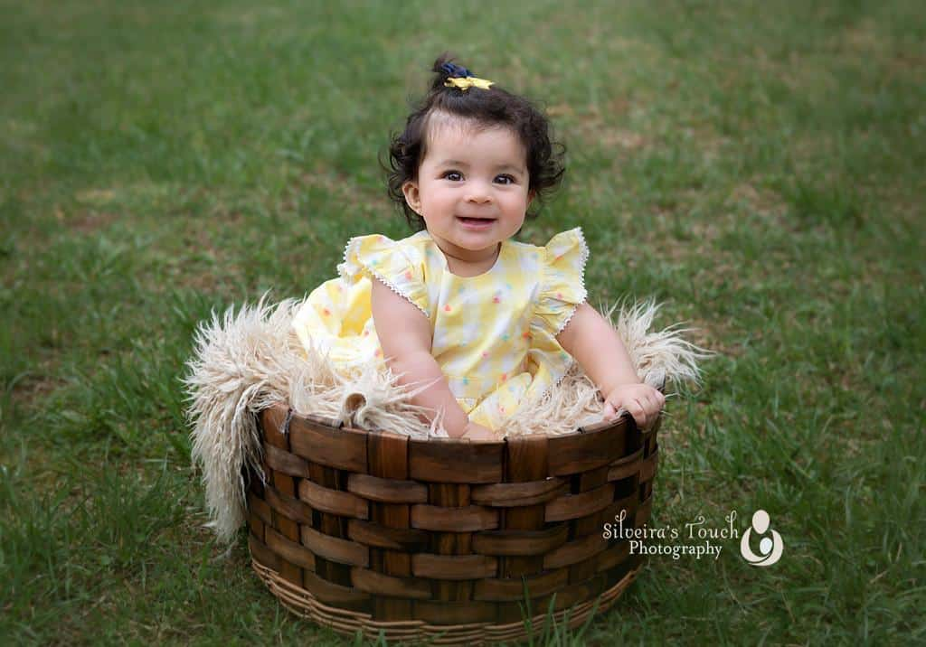 baby Alaisa and family in Flanders NJ portraits