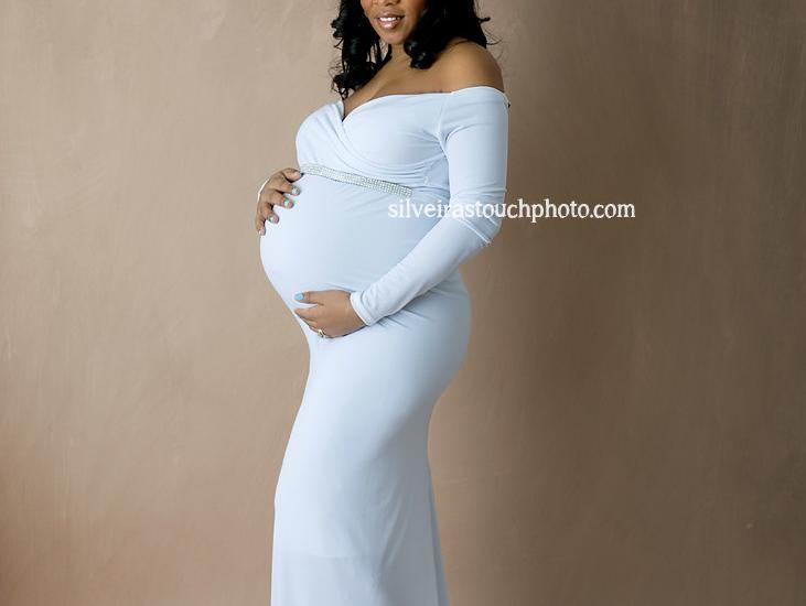 baby bump photography of beautiful mom