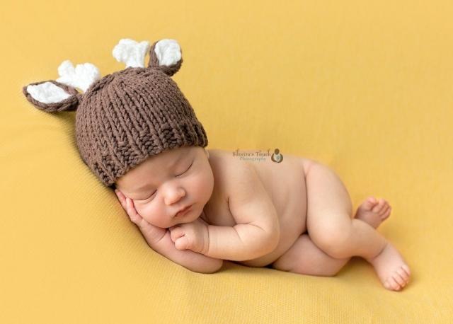 NJ newborn photography in Budd lake nj studio in holiday style