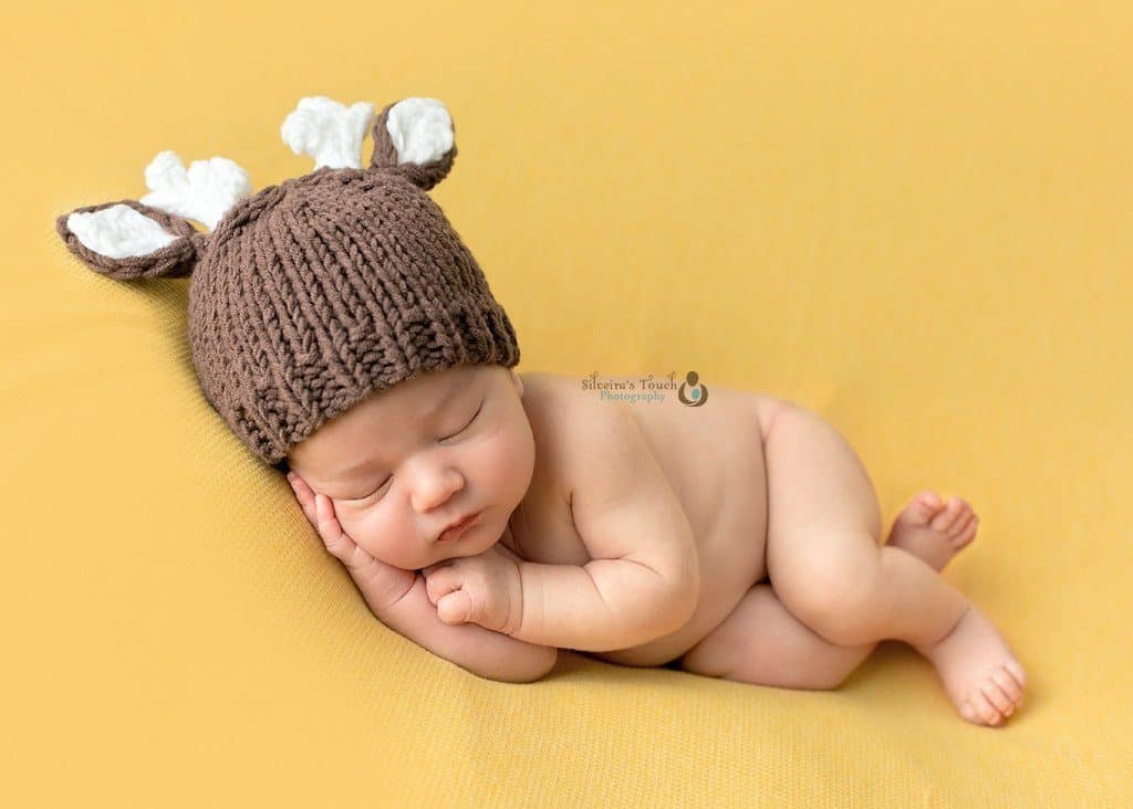 infant photo shoot in studio