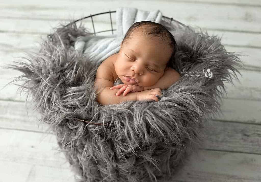 sleepy newborn photoshoot