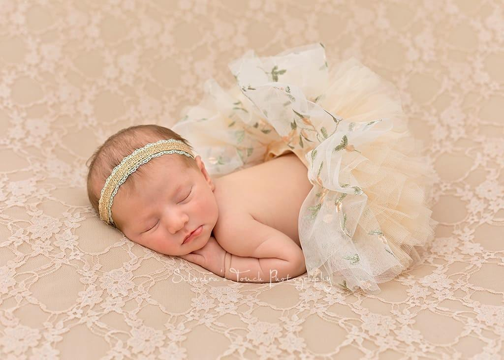 newborn baby photography session in home