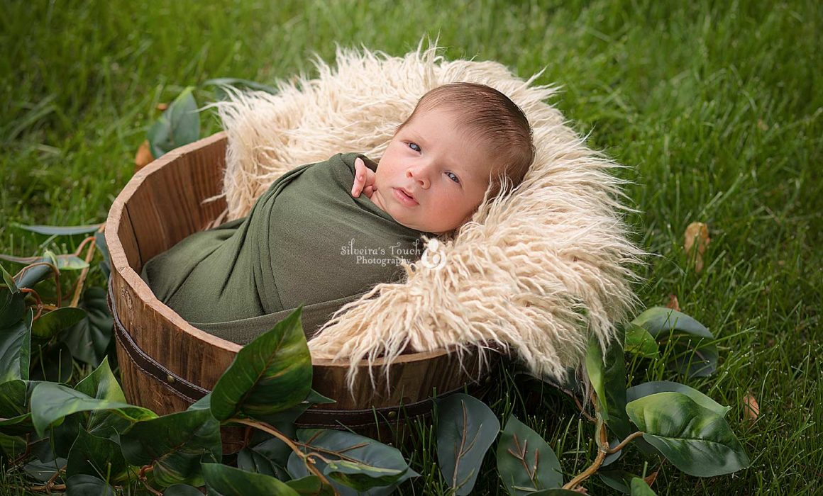 basking ridge nj outdoor newborn portrait